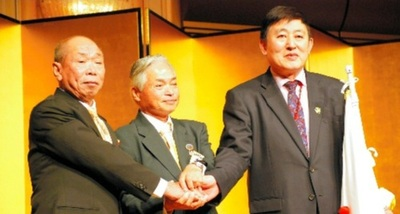 Mr. Hu Yun Hua of China, Chairman Mr. Yukihiko Konishi, and Mr. Mak Paiman of Indonesia, from right to left.