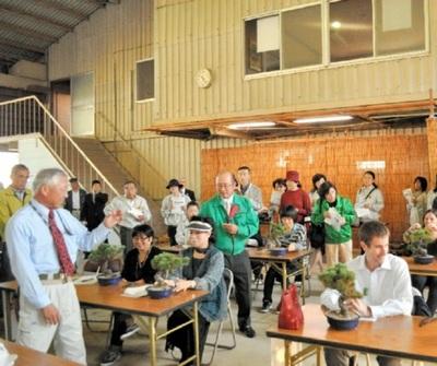 外国人向けの盆栽教室