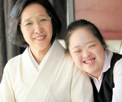 金沢泰子さん、翔子さん母子